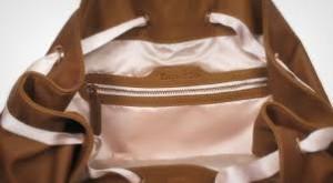 Nettoyage de la doublure du sac à main